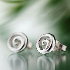 Silver earrings ny Heli Kauhanen (nordicjewel.com)