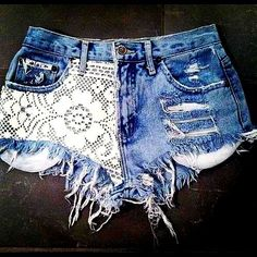 #(lace,frayed,jean,shorts,destroyed)  Jeans Shorts   #2dayslook #Jeans Shorts   #sasssjane #anoukblokker  www.2dayslook.com