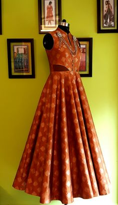 by A&N Benaraas Brocade and Accessories, with an Urban Silhouette . Indian Gowns, Indian Attire, Indian Outfits, Indian Wear, Kathak Costume, Kids Blouse Designs, Dress Outfits, Fashion Dresses, Saree Dress