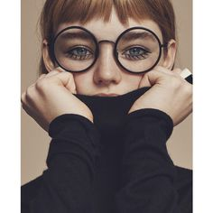 turquesa ❤ liked on Polyvore featuring backgrounds, people, models, faces, glasses, filler and magazine