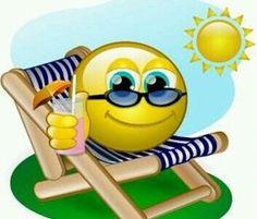 Seaside smile Smiley Emoji, Smiley Emoticon, Happy Smiley Face, Animated Emoticons, Funny Emoticons, Emoticons Text, Images Emoji, Image Facebook, Funny Emoji Faces