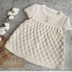 Navnet Kommer Fra Norr N Mytologi En Dag Br Drene Igaraci - hadido Knitting For Kids, Baby Knitting Patterns, Knitting Designs, Girls Pinafore Dress, Romper Pattern, Baby Cardigan, Diy Dress, Baby Sweaters, Kind Mode