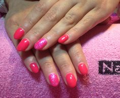 Gels neon pink with pink glitter