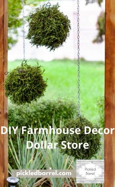 Create your own Joanna Gaines-approved farmhouse Dollar Store DIYs with these fabulously easy ideas. Farmhouse Bedroom Decor, Country Farmhouse Decor, Farmhouse Furniture, Rustic Decor, Farmhouse Style, Country Crafts, Farmhouse Ideas, Farmhouse Design, Trendy Home Decor