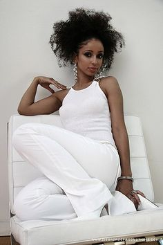 {Grow Lust Worthy Hair FASTER Naturally}>>> www.HairTriggerr.com <<<       That's A Good Look Mya!