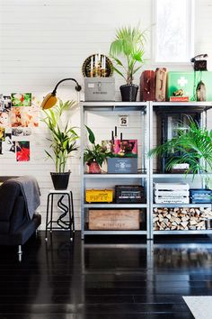A happy Swedish home with black floors and bright colours. Home owner: Hannah Billberg. Stylist: Anna M? Hus o Hem. Sweet Home, Industrial Metal Shelving, Metal Shelves, Steel Shelving, Industrial Living, Room Inspiration, Interior Inspiration, Interior Ideas, Turbulence Deco