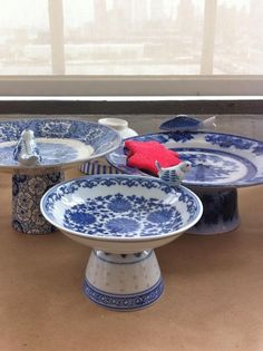 Homemade Cake Stands! Would also make cute little bird baths. No need to use fine china, either.