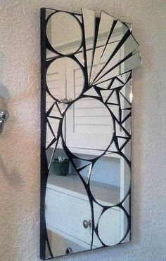 Super hip and funky mosaic mirror. Mirror Mosaic, Mirror Art, Diy Mirror, Mosaic Wall, Mosaic Glass, Stained Glass Birds, Stained Glass Panels, Broken Mirror Projects, Home Entrance Decor