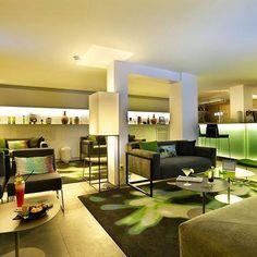 Le Best Western Hôtel du Parc de Chantilly vous fait voir la vie en vert ! Cette déco à la fois sobre et colorée vous aimez ? Hotels-live.com via https://www.instagram.com/p/BFy_hxtnxAB/ #Flickr