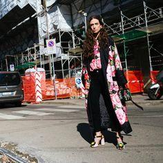 """76 Me gusta, 3 comentarios - Walking Canucks (@walkingcanucks) en Instagram: """"Milan Fashion Week . @erika_boldrin at @dolcegabbana . . 📷: @walkingcanucks x @coveteur .…"""""""
