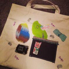 ミナペルホネン端切れと、キャンバス、消しゴムはんこのバッグ。 絵本バッグ。