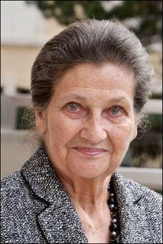 Simone Veil née le 13 juillet 1927 à Nice est une femme politique française qui a été rescapée de la Shoah à Auschwitz. Elle en fut la seule survivante de sa famille avec sa sœur à leur libération le 27janvier 1945. Plus connue pour la loi Veil dépénalisant en France l'avortement qu'elle fit adopter par le Parlement français comme ministre de la santé en 1975.....