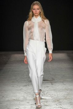 Francesco Scognamiglio Spring 2015 Ready-to-Wear - A sensual collection highlighting the art of Italian fabrics and the appreciation for the female form. Francesco made a beautiful collection that will go from the night out to the nightcap. thestyleweaver.com