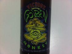 Cerveja Victory Golden Monkey, estilo Belgian Tripel, produzida por Victory Brewing Company, Estados Unidos. 9.5% ABV de álcool.