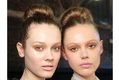 Designer Faces: The Hair And Makeup Looks at the Fall 2011 Donna Karan Runway Show - Makeuptipsideas Types Of Makeup, Donna Karan, Makeup Looks, Hair Makeup, Runway, Faces, Design, Cat Walk, Walkway