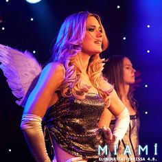 Angela houkuttelee Annan mukaansa tanssikiertueelle hämärille lavoille ja neonvaloissa kylpeviin klubeihin 💎✨💋  MIAMI elokuvateattereissa 4.8. 🎬