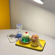 Korean Aesthetic, Aesthetic Themes, Aesthetic Food, Aesthetic Photo, Aesthetic Pictures, Mood And Tone, Cute Desserts, Cute Food, Color