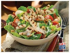Turkey and Blue Cheese Salad Protein Filled Foods, Leftover Turkey, Turkey Leftovers, Blue Cheese Salad, Easy Food To Make, Yummy Appetizers, Pasta Salad, Potato Salad, Bacon