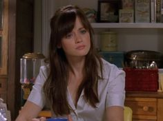 rory gilmore bangs - Season 6 wasn't the best after Amy left , but Rory's style was great!