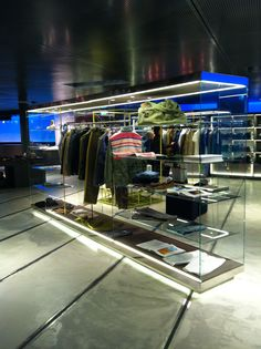 Analyzing retail concept store excelsior