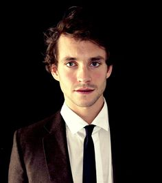 Hugh Dancy is SO pretty