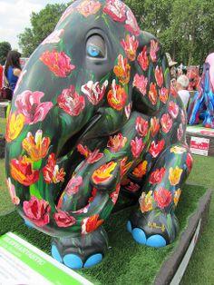 Elephant Parade London 2010 | Flickr: Intercambio de fotos Elephant Stuff, Elephant Colour, Asian Elephant, Elephant Love, Elephant Art, All About Elephants, Elephants Never Forget, Elephant Information, Elephant Pictures