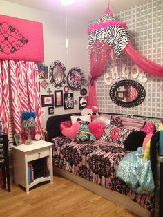 Paris zebra mixed patterned girl bedroom