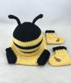 Newborn bumble bee set knitted baby bee outfit by BitsOfFiber