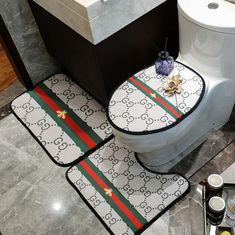 ルイヴィト 浴室足ふきマット gucci トイレ浴室マットエルメス方形マット3点セットU型トイレマット Bathroom Trends, Bathroom Sets, Bathroom Stuff, Family Bathroom, Master Bathroom, Bathrooms, Glamour Decor, Toilet Mat, Modern Shower Curtains