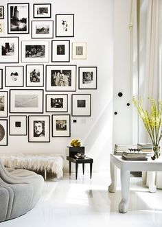 Get design ideas for your living room decor with gorgeous home design pictures.