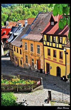 Loket  Loket (German: Elbogen) is a town of some 3,000 inhabitants in the Sokolov district in the Karlovy Vary region of the Czech Republic.