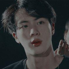 ㅡ ❁ 𝓚𝓲𝓶 𝓢𝓮𝓸𝓴𝓙𝓲𝓷 𝓡𝓮𝓪𝓬𝓬𝓲𝓸𝓷𝓮𝓼 ❁ ㅡ - sablon Seokjin, Bts Jin, Foto Bts, Wattpad, Jin Icons, Bts Aesthetic Pictures, Imagines, Worldwide Handsome, Namjin