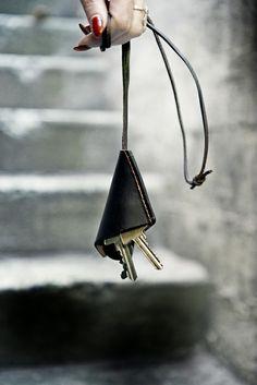 "SILLEKNOTTE - handmade leather accessories - ""Chrissy"" – Key strap"