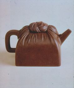 "maggara: "" I Xing teapot, Shi Dabin mark. Qing dynasty (late 16th c.) """