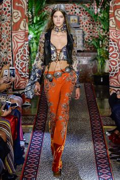 b7cc4a5353f58 Roberto Cavalli Spring 2017 Ready-to-Wear Fashion Show