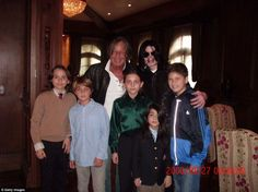 Michael Jackson and his kids with billionaire developer mohammad haddid and his kids ( 2008).