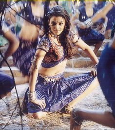 Aishwarya Rai in item number Ishq Kamina - Shakti the Power (2002)