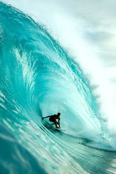 Perfect wave  ~ Tökéletes hullám Big Waves, Ocean Waves, Beach Waves, Big Wave Surfing, Girl Surfing, Surfer Dude, Surfing Pictures, Surf Style, Image Hd