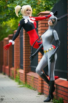 Cosplay Cat Woman Classic Harley Quinn and Catwoman by Rei-Doll Catwoman Cosplay, Dc Cosplay, Harley Quinn Cosplay, Cute Cosplay, Amazing Cosplay, Cosplay Outfits, Best Cosplay, Cosplay Girls, Pokemon Cosplay