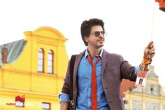 Jab Harry Met Sejal Stills - Pictures Paras Arora, Chak De India, Srk Movies, Sr K, Still Picture, King Of Hearts, Anushka Sharma, Bollywood Actors, Shahrukh Khan