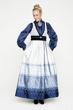 Historical Clothing, Historical Dress, Drawing Clothes, Culture, Costumes, Traditional, Woman Fashion, Knitting, Lady