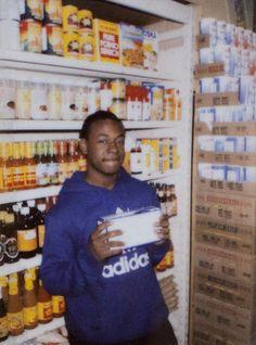 shoplifter   MOHAMED BOUROUISSA