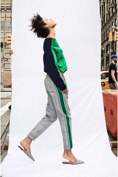 Fashion Week New York Resort 2018 look 7 from the Monse collection womenswear Fashion 2018, Fashion Week, Sport Fashion, Winter Fashion, Fashion Looks, Womens Fashion, Fashion Trends, Fitness Fashion, Latest Fashion