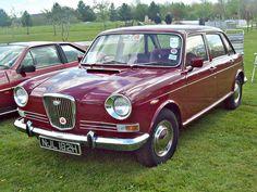 Vintage Travel, Vintage Cars, Ford Anglia, Super 4, British Car, Motor Car, Birmingham, Cars And Motorcycles, Dream Cars