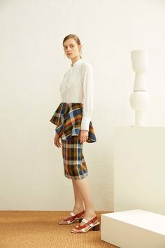 See the complete Suno Resort 2017 collection.