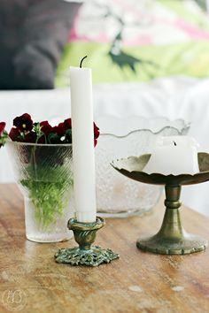 Ja joita, minä pelastan talteen:          Timo Sarpanevan suunnittelema maljakko, täysin ehjä.       Pieni maljakko, kynttil...