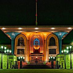 قصر العلم، مسقط، سلطنة عمان Al Alam Palace, Muscat, Oman By @sheikh_yerbootee www.magicalarabia.com