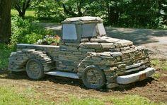 DIY Garden and Crafts - More Easy Garden Projects with Stones Garden Crafts, Garden Projects, Diy Projects, Photo Lovers, Rock Sculpture, Stone Sculptures, Dry Stone, Easy Garden, Upcycled Garden