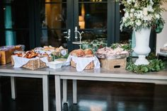 This Naturally Beautiful And Inviting Wedding is all about being a warm reception with simple, organic details to emphasize the couple's love for each other