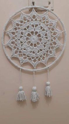 Crochet Thread Patterns, Basic Crochet Stitches, Macrame Patterns, Crochet Snowflakes, Crochet Doilies, Crochet Dreamcatcher Pattern, Dream Catcher Patterns, Crochet Rings, Crochet Wall Hangings